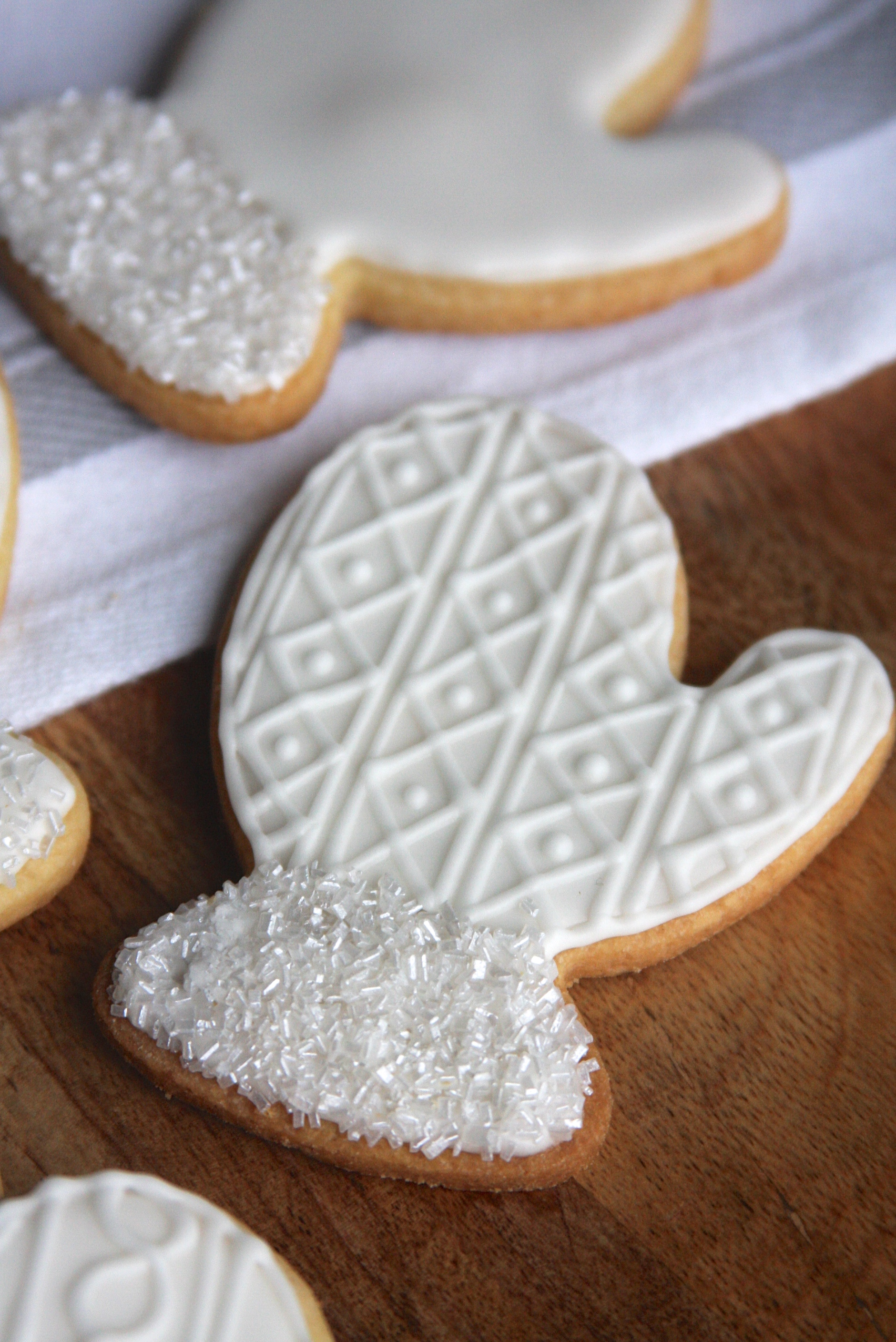 Mitten Sugar Cookies | A Homemade Living